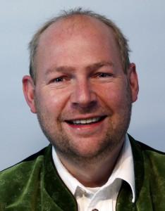 Georg Weiderer, 40, verheiratet, 3 Kinder, Bauhofleiter,  Gemeinderat,  Feuerwehrkommandant,  CSU Ortsvorsitzender